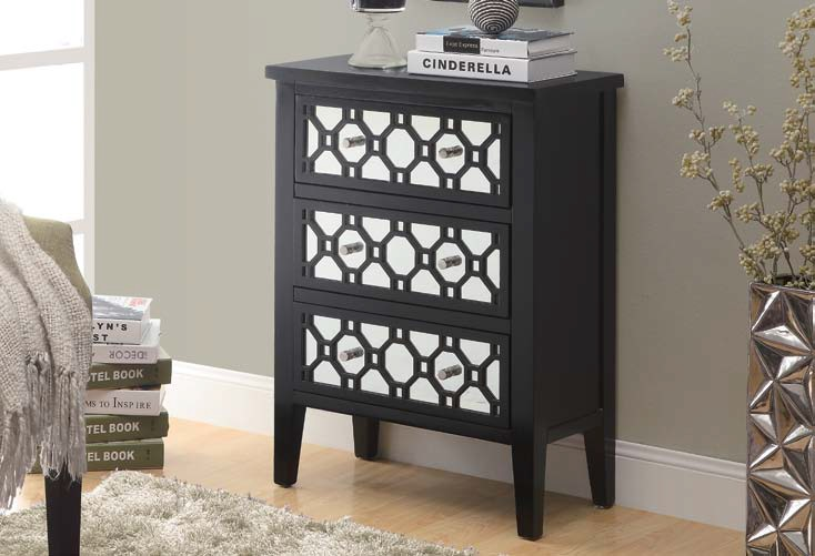 I-3828 Bombay Chest