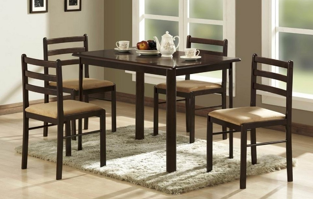 R3101 Dining Table